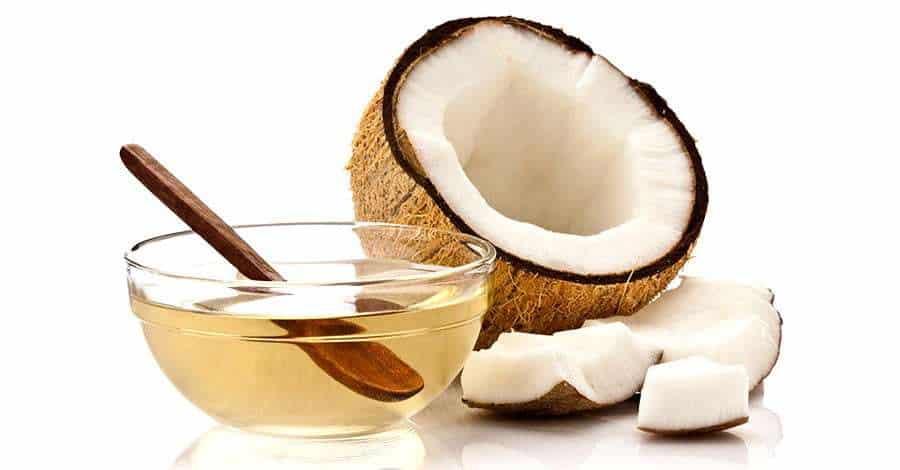 Los tratamientos con aceite de coco son regeneradores del cuero cabelludo