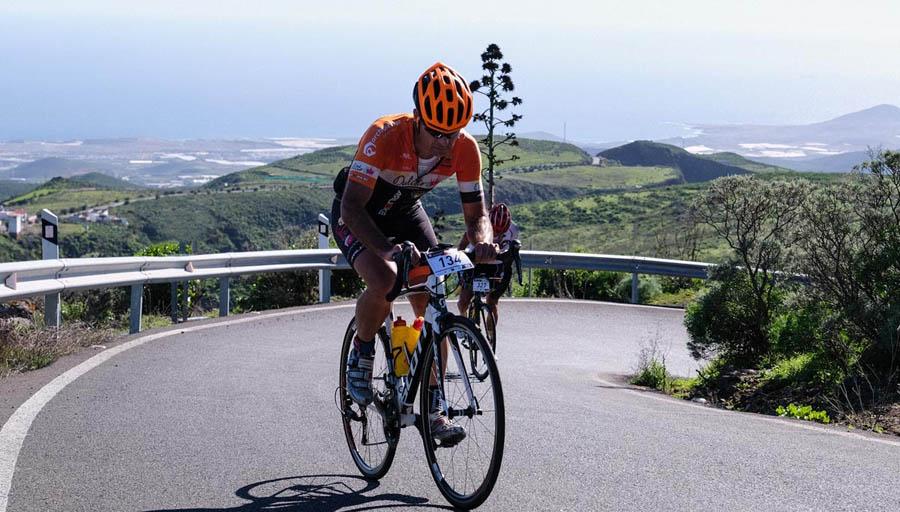 Ciclista en la ruta