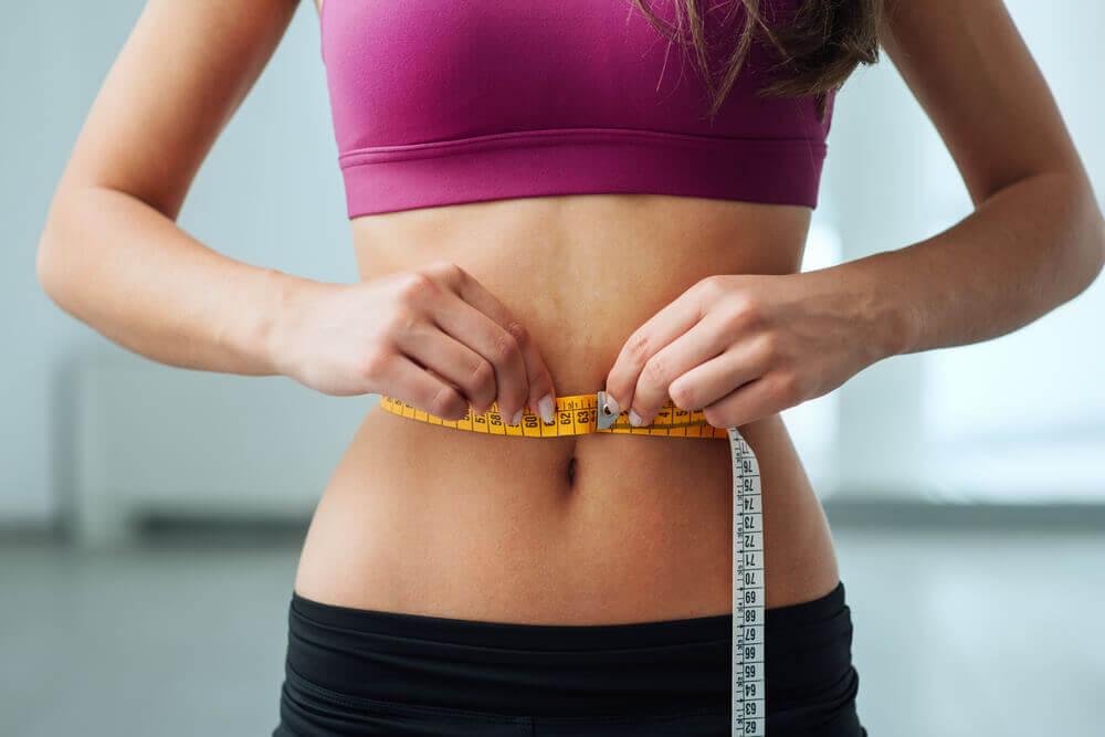 Aplica este ejercicio y presume de tu cintura de avispa en poco tiempo.