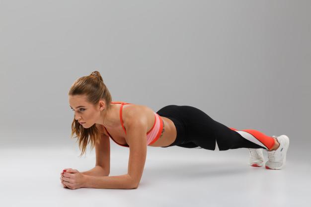 chica haciendo ejercicios