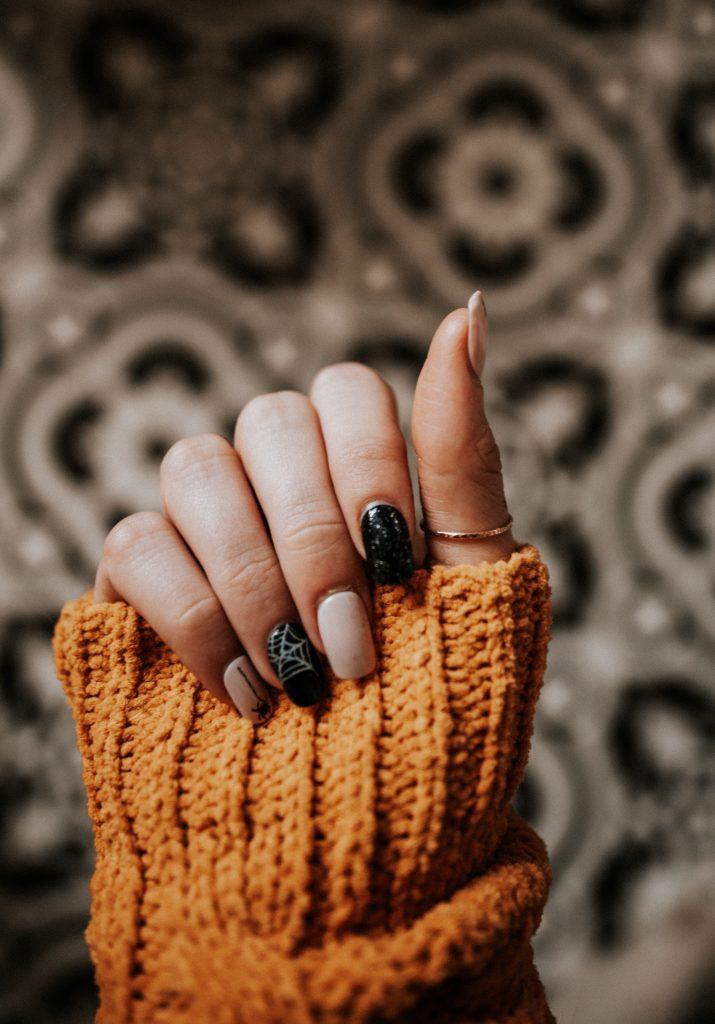 Para hacer crecer las uñas debes utilizar productos naturales como el ajo