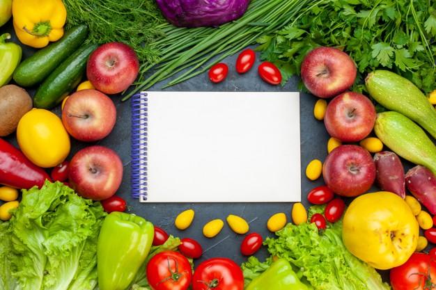 la dieta de la manzana requiere el consumo de abundante agua durante todo el día